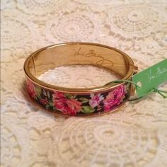 I just discovered this while shopping on Poshmark: HP✨Vera Bradley Bangle. Check it out!  Size: OS