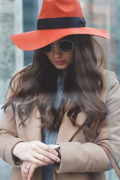 The orange hat – Mysterious Girl