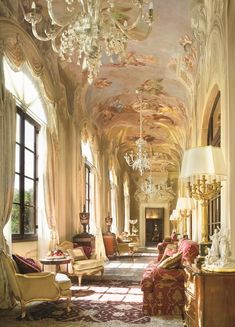 Palazzo della Gherardesca, jetzt das Four Seasons Hotel, Florenz, Italien Four Seasons Hotel, Florence Hotels, Florence Italy, Beautiful Space, Beautiful Homes, Palazzo, Classic Decor, Classic Interior, Suites