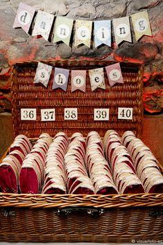 Wedding Dance Floor Ideas: The Secret to an Epic Wedding Reception - Bodas DIY Ideas - Wedding Trendy Wedding, Perfect Wedding, Diy Wedding, Wedding Favors, Wedding Styles, Rustic Wedding, Wedding Reception, Wedding Gifts, Dream Wedding