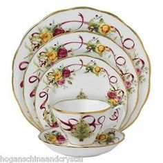 Royal Albert Old Country Roses Christmas Tree Place Setting