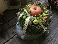 Apfelfreundschaft - Tischkranz von FRIJDA im Garten - Aus einer Idee wurde Leidenschaft auf DaWanda.com