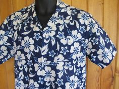 9th Wave Scorpio Hibiscus Blue & White Men's Hawaiian Shirt Small Tropical Camp