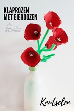Poppies with egg carton - crafting with kids. Fun Crafts For Kids, Diy For Kids, Activities For Kids, Diy And Crafts, Emotions Activities, Poppy Craft, Egg Carton Crafts, Leaf Crafts, Plate Crafts