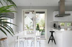 Scandinavian modern black and white interior design Black And White Interior, White Interior Design, Black White, Living Spaces, Living Room, Scandinavian Modern, Dining Area, Great Rooms, Modern Farmhouse