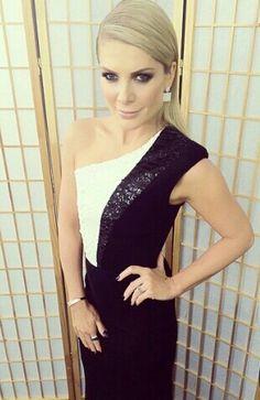 Natalie Bassingthwaighte wears Alex Perry. Live Show 1. Xfactor Australia. (credit: @nataliebassing)
