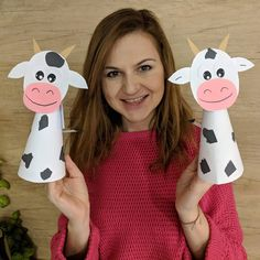 Image may contain: 1 person Farm Animal Crafts, Animal Crafts For Kids, Summer Crafts For Kids, Toddler Crafts, Art For Kids, Kindergarten Crafts, Preschool Crafts, Kids Crafts, Cow Craft
