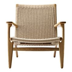 Inject a sense of lightness into your living space with this lounge chair, designed by Hans J. Wegner for Carl Hansen & Søn. Furniture For You, Unique Furniture, Furniture Chairs, Paper Furniture, Cabin Furniture, Quality Furniture, Wooden Furniture, Outdoor Furniture, Bruno Moinard