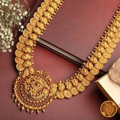 Gold Earrings Designs, Jewellery Designs, Indian Gold Necklace Designs, Gold Haram Designs, Ring Designs, Indian Bridal Jewelry Sets, Indian Gold Jewellery Design, Bridal Jewellery, Gold Temple Jewellery