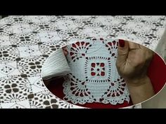 Crochet Squares, Crochet Videos, The Creator, Youtube, Tablecloths, Angeles, Crochet Leaf Patterns, Bee House, Crochet Leaves