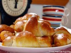 Horn fra Trines matblogg Pesto, Creme Fraiche, Pretzel Bites, No Bake Desserts, Bread Baking, Chorizo, Pepperoni, Horns, Scones