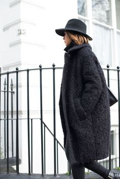 Середина октября - носим пальто | Блогер Gopi на сайте SPLETNIK.RU 20 октября 2016 | СПЛЕТНИК