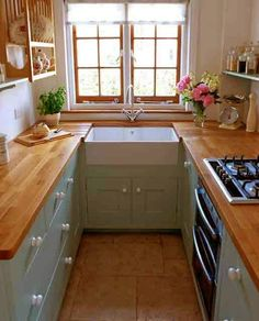 galley kitchen design idea 42