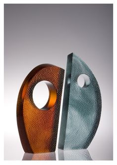 'Unity' Blackwood Lead Crystal by New Zealand glass artist Di Tocker