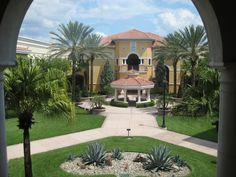 Visiting Rosen College of Hospitality Management in Orlando, Florida!