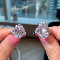 Jeweller: Ori Vechler You are in the right place about jewelry rings diamond Here we offer you the m Diamond Jewelry, Jewelry Rings, Fine Jewelry, Diamond Rings, Bridal Rings, Wedding Rings, Wedding Ring Designs, Ring Verlobung, Mode Style
