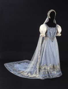 fashionsfromhistory:  Court Dress 1875-1900 Hungary Museum of Applied Arts, Budapest