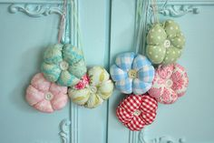 Pincushion inspiration @ Roses and Patina Sewing Hacks, Sewing Crafts, Sewing Tips, Thread Catcher, Pin Cushions, Needlework, Whimsical, Quilts, Christmas Ornaments