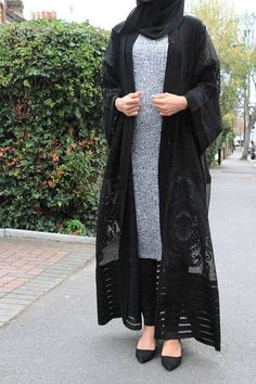 Beautiful Nida quality, open abaya/kimono, can be worn on all occasions, picture cannot do its justice. This elegant open abaya is from Dubai, all sizes available Abaya Mode, Mode Hijab, Abaya Designs, Islamic Fashion, Muslim Fashion, Abaya Fashion, Fashion Dresses, Estilo Abaya, Outfits