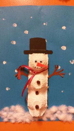 Sneeuwpop van eierdoos!