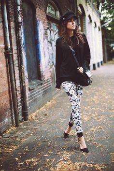 Jeans: Lee     Sweater: Uniqlo (men)     Shoes: ZARA     Bag: Proenza Schouler     Cap: H AW2013