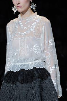 Chic white embroidered blouse; fashion details // Alberta Ferretti Fall 2013