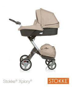 Lieferumfang des Stokke® Xplory® Complete mit Babyaufsatz Chassis mit Sitz, Verdeck mit Blendschutz, Inlay, Rückenabdeckung,5-Punkt-Sicherheitsgurt, Gurtpolster, Bezug f. Sicherheitsbügel, Babyeinlage, Moskitonetz +Regenschutz für Sitz, Einkaufstasche, Babyschale (ohne eigenes Verdeck), incl.Inlay, Matratze, Cover, Regenschutz für Babyschale 969,67 EUR