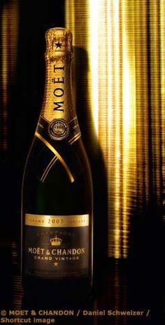Moët & Chandon #LVMH #champagne