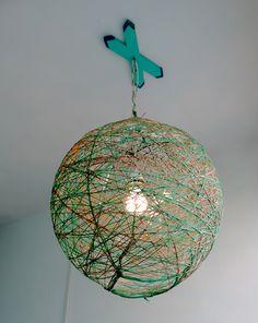 Lampara de techo bicolor 60 cm redonda con base artística en madera