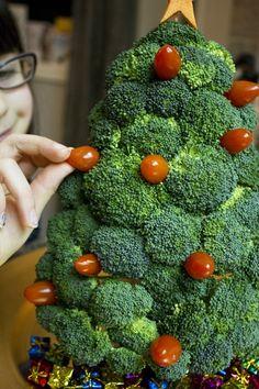 Broccoli Christmas tree #Christmas, #Food