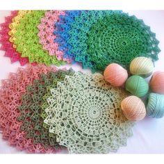 crochet placemat   http://tatyana-radzi.livejournal.com/
