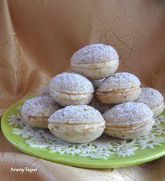 AranyTepsi: Diócska Hungarian Cookies, Hungarian Desserts, Hungarian Recipes, Mouse Recipes, Cookie Recipes, Dessert Recipes, Cocktail Cake, Sweet Cookies, Walnut Cookies