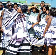 Scottish Traditional Dress, Traditional Wedding Attire, African Traditional Wedding, Traditional Styles, African Traditional Dresses, Traditional Outfits, African Print Dresses, African Fashion Dresses, African Dress