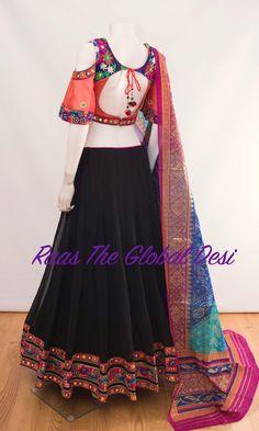 Garba Dress, Navratri Dress, Garba Chaniya Choli, Choli Designs, Lehenga Designs, Blouse Designs, Indian Dresses, Indian Outfits, India Fashion