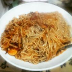 Soba fatta in casa alla sorrentina... Home-made soba with tomato and mozzarella sauce, garlic, sweet dry peperoni and black pepper