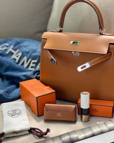 """Monika Arora on Instagram: """"🎁 a very sweet treat from a darling friend 💝💄the lipstick of course— but turn your attention to the Hermès lipstick holder with its own…"""" Hermes Handbags, Louis Vuitton Handbags, Purses And Handbags, Fashion Handbags, Chanel Backpack, Chanel Purse, Chanel Bags, Replica Handbags, Designer Handbags"""