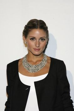 Olivia Palermo ~ statment necklace