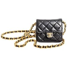 Preowned Vintage Chanel Mini Mini Matelasse Chain Bag Necklace ($2,800) ❤ liked on Polyvore featuring jewelry, necklaces, black, chain necklaces, pearl jewellery, stackers jewelry, pre owned jewelry, chanel jewelry and chanel jewellery