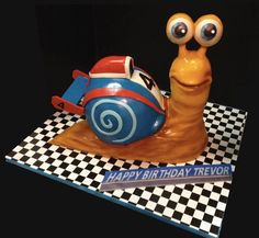 Turbo the snail! by debbie does cakes