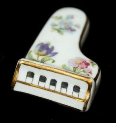 Limoges I love Limoges miniatures, especially pianos. Yes I have one