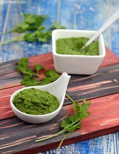 This low calorie chutney uses roasted chana dal (daria) instead of fat laden ingredients like coconut and peanuts. Curds and lemon jucie have been used to retain the fresh green colour of this chutney.