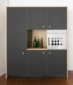 Lepic Kitchen by Jasper Morrison is his first industrially produced kitchen