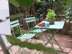 Un Bel Dì Cagliari Located in Cagliari, Un Bel Dì offers self-catering accommodation with free WiFi. Un Bel Dì boasts views of the garden and is 4 km from Poetto Beach.  The kitchenette features a dishwasher. A flat-screen TV is featured.
