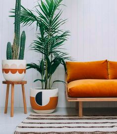 Home Decor Inspiration deco orange salon.Home Decor Inspiration deco orange salon Interior Exterior, Home Interior, Orange Interior, Interior Photo, Scandinavian Interior, Contemporary Interior, Bohemian Interior, Interior Plants, Retro Home Decor