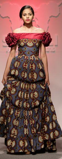 Kiki's Fashion : Tanzania. Photo by Simon Deiner SDR Photo.