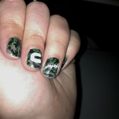 Hand painted camo nails. I love them :)  #camo #country #dodgecummins