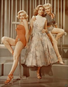 Marilyn Monroe, Betty Grable and Lauren Bacall – 1953 romantic comedy – 'How to Marry a Millionaire'. Marilyn Monroe, Betty Grable and Lauren Bacall – 1953 romantic comedy – 'How to Marry a Millionaire'. Glamour Hollywoodien, Old Hollywood Glamour, Golden Age Of Hollywood, Vintage Hollywood, Hollywood Stars, Classic Hollywood, Old Hollywood Movies, Lauren Bacall, Divas