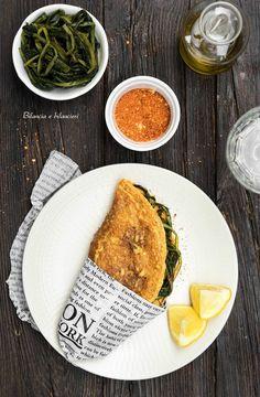Piadina di ceci con cicoria piccante Veg Recipes, Light Recipes, Clean Recipes, Wine Recipes, Italian Recipes, Cooking Recipes, Healthy Recipes, Vegetarian Cooking, Vegetarian Recipes
