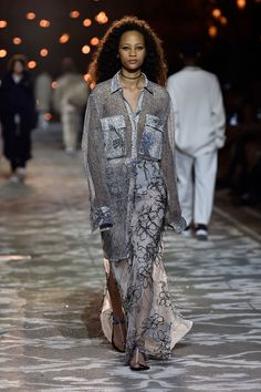 Hugo Spring 2018 Ready-to-Wear  Fashion Show Collection