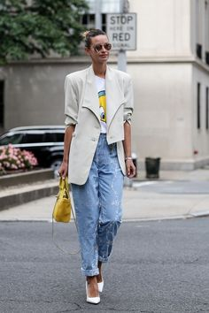 Discover the details that make the difference of the best #streetstyle, unique people with a lot of #style